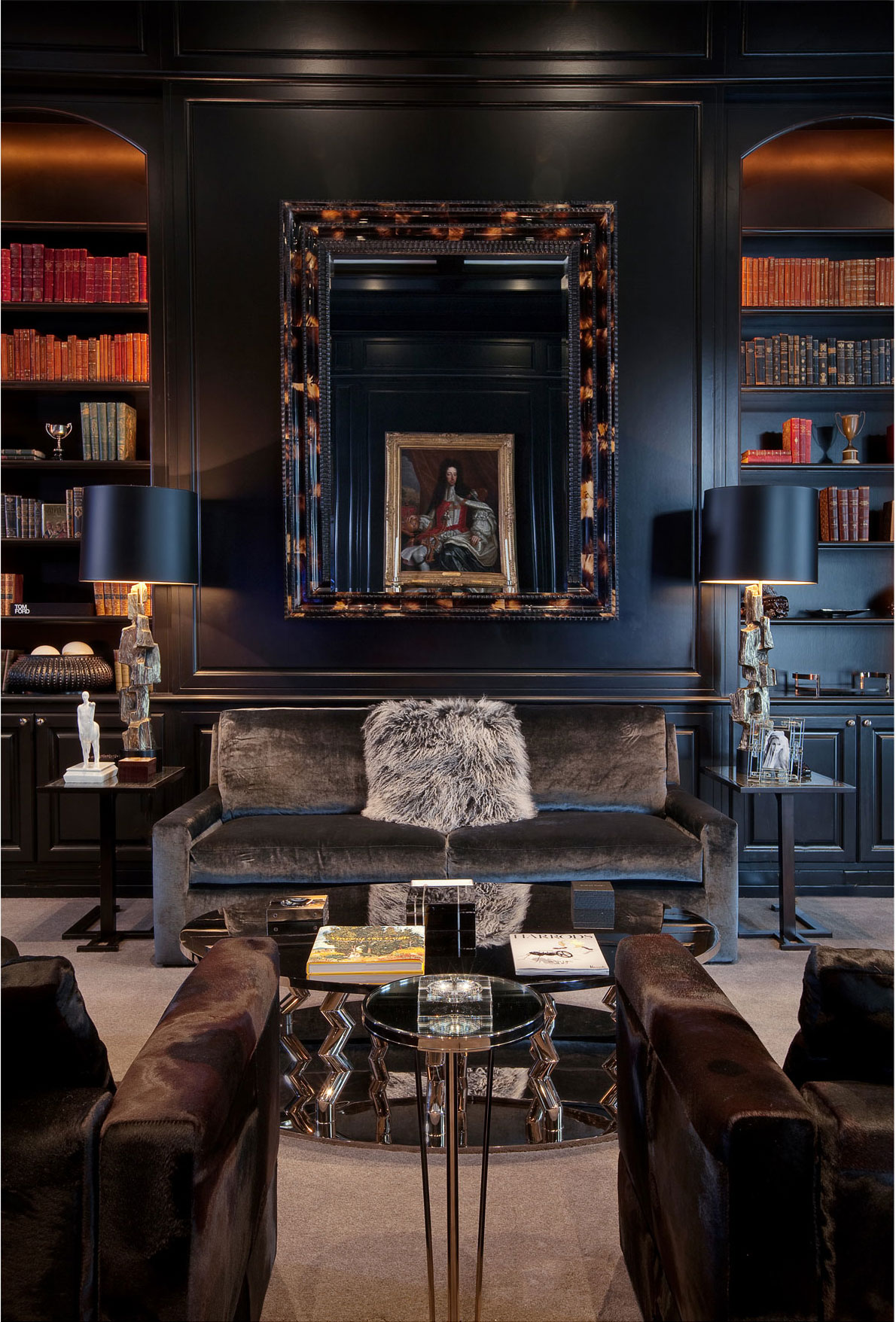 Luxury interiors scala luxury for Upscale home office furniture