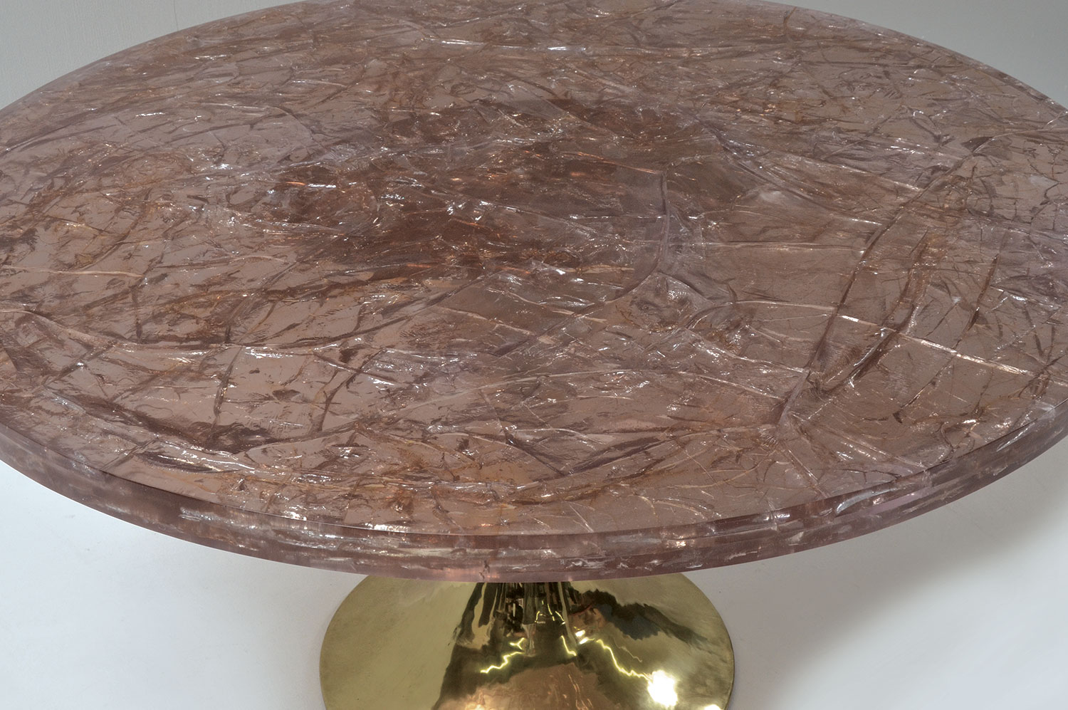 Tulip Table - Ice Resin / Brass 3